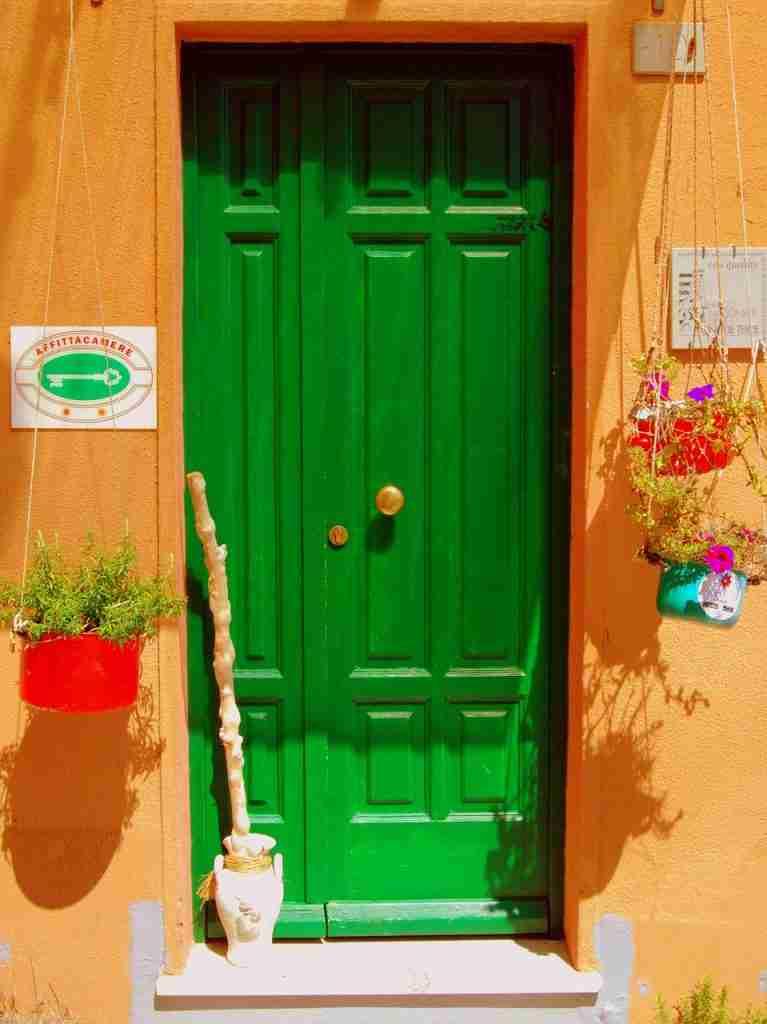 door-landlord-tenants-responsibilities